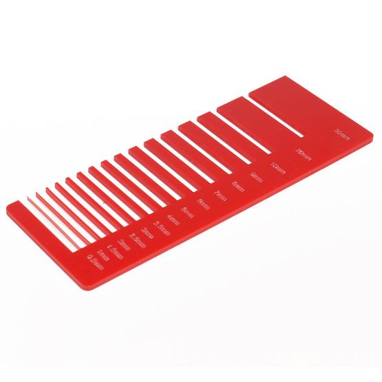 Test precisione- plexiglass rosso fragola per il taglio laser