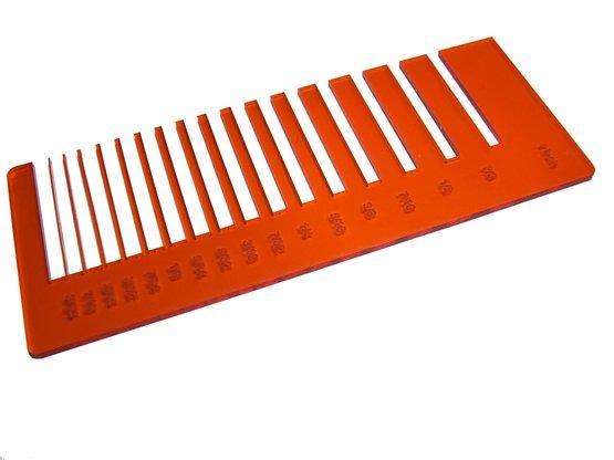 Test de précision - plexiglas orange transparent pour découpe au laser