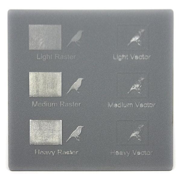 Plexiglass grigio metalizzato - campione incisione laser