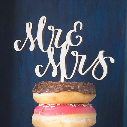 Cake topper in legno | lettering machine