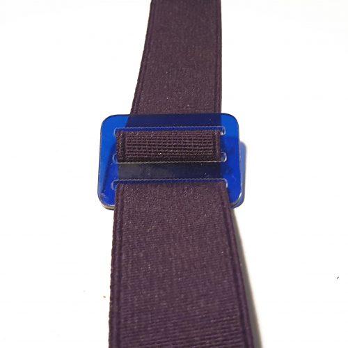 dettaglio passante blu trasparente elastico viola
